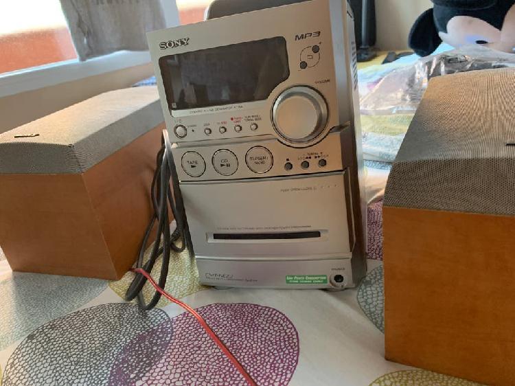 Minicadena sony radio cd mp3 cassette