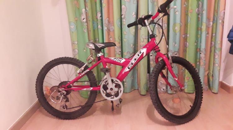 """Mountain bike 20"""". 6 a 9 años 12 velocidades"""