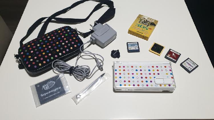 Nintendo dsi con juegos y accesorios