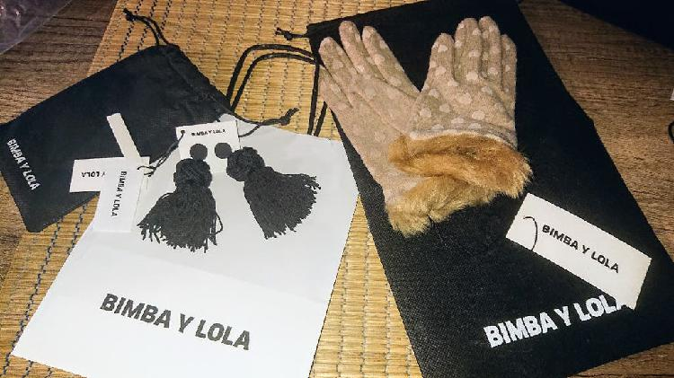 Pack de guantes y pendientes nuevos bimba y lola p