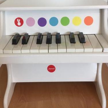 Piano infantil madera
