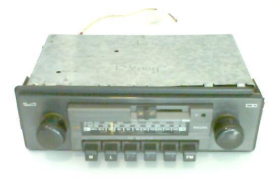 Radio philips de coche, de los de antes, funcionando
