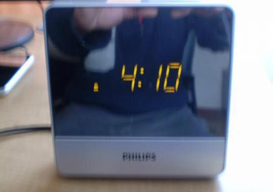 Radio reloj despertador marca philips