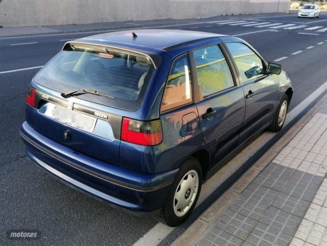 Seat ibiza ano 1999 de 1999 con 272.000 km por 990 eur. en