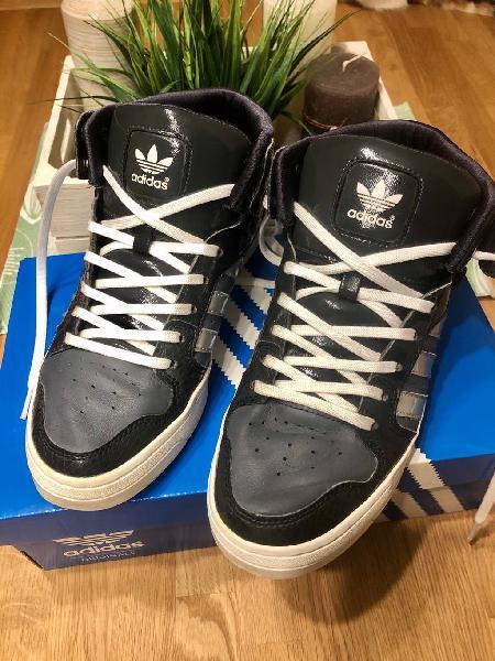Zapatillas gris-plata adidas