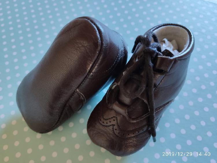 Zapato / bota bebe. marca nanos nº 17