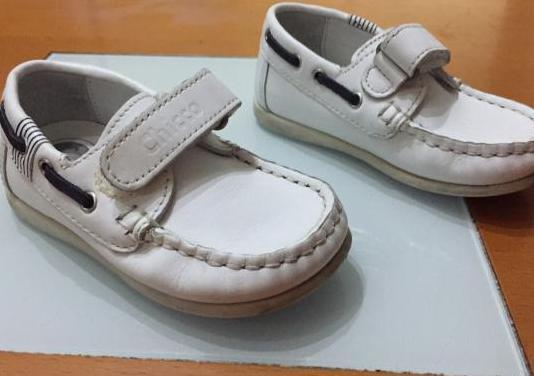 "Zapatos nauticos ""chicco"" n.23"