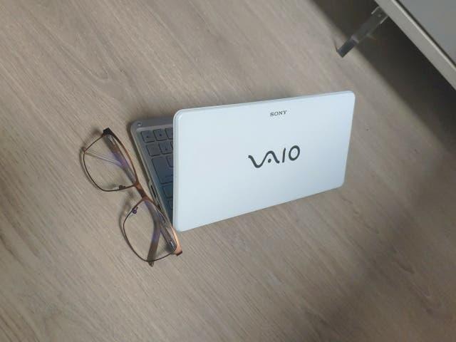 Mini portátil casi de bolsillo, con intel atom z52