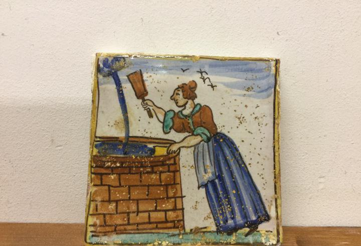 Antiguo azulejo de cerámica catalana artes y oficios siglo