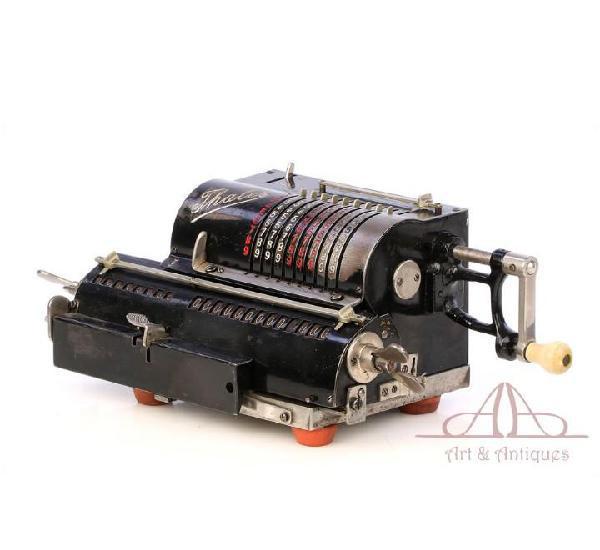 Antigua calculadora mecánica thales a1. alemania, años 20