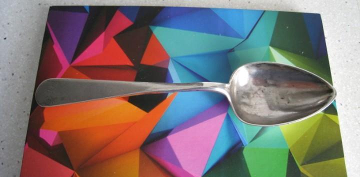 Antigua cuchara en plata de ley con contraste de platero