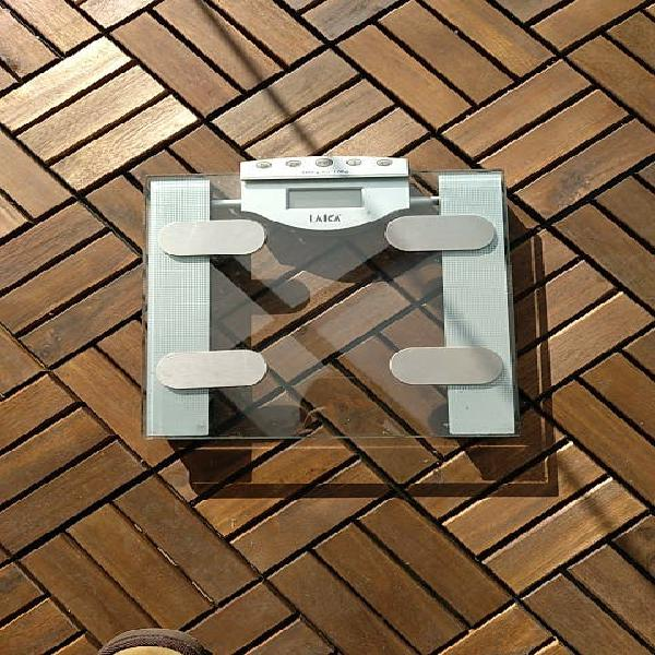 Báscula digital con sensor porcentaje agua y grasa
