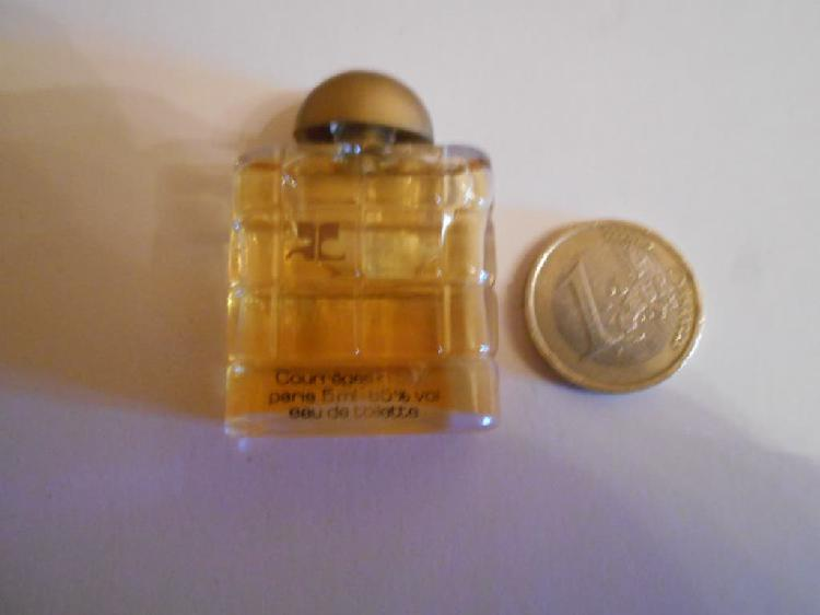 Colonia / perfume courreges in blue
