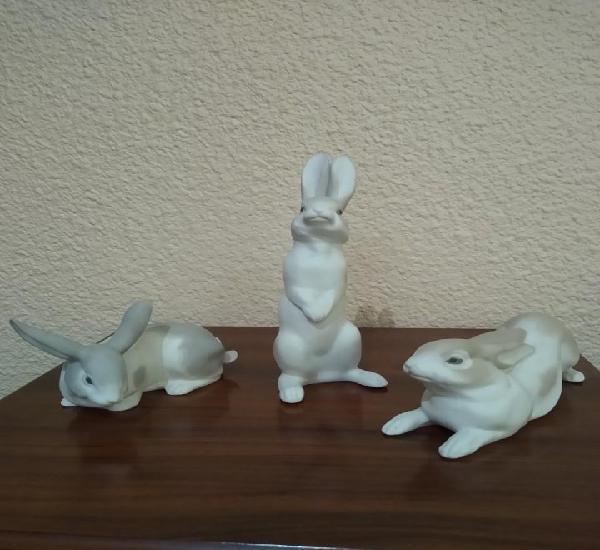 Conejos de porcelana nao lladró años 60. mate. muy raros.