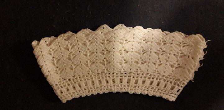 Puntilla de hilo blanco - de ganchillo - 52 x 10 cm.