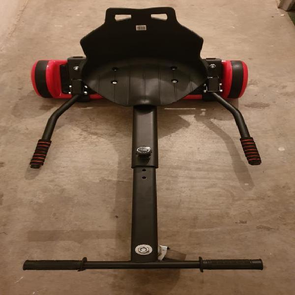 Patinete eléctrico con asiento de kart