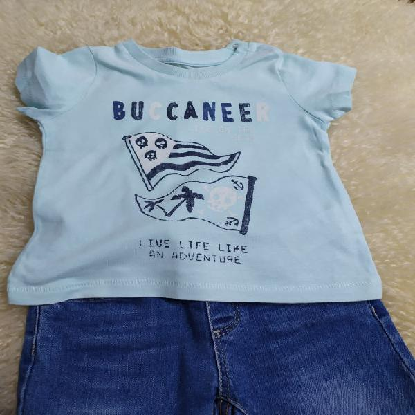 Camiseta azul claro