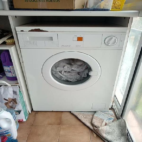 Lavadora 5kilos funciona perfectamente, ven y lo c