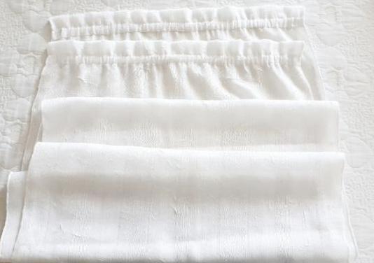 2 cortinas blancas. impecables