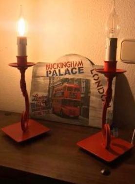 2 lámparas forja roja con velas led