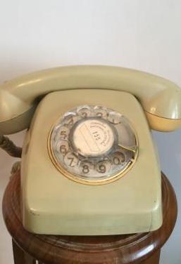 Antiguo telefono heraldo funciona