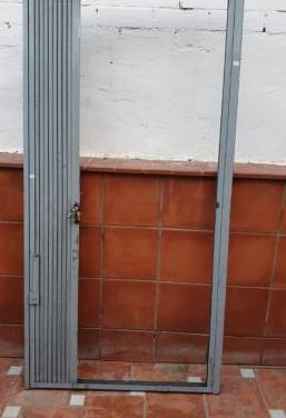 Galvanizada puerta corredera con cerradura y llave