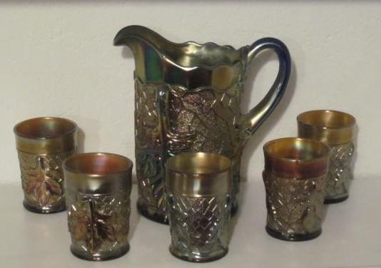 Jarra y vasos antiguos de cristal