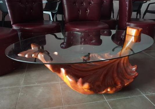 Mesa del centro de diseño exclusivo