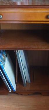 Mueble tv 48 cm por 35 cm