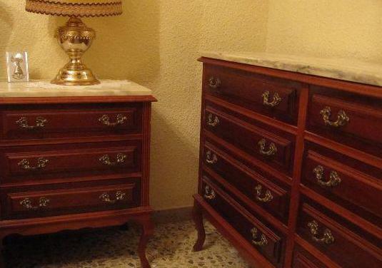 Muebles de dormitorio antiguos