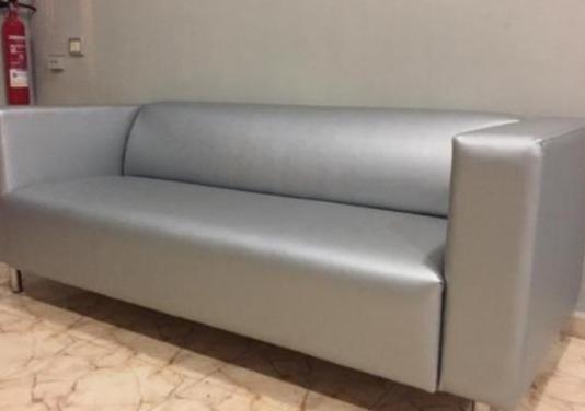 Sofá de polipiel