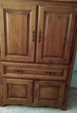 Armario madera salón