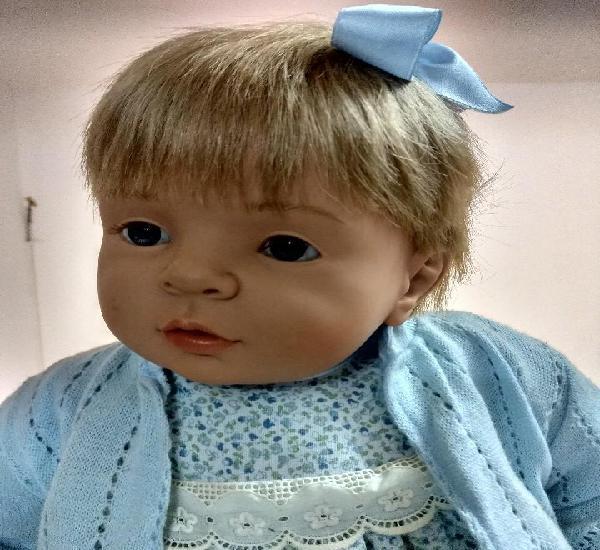 Gran muñeca de carmen gonzalez/onil.