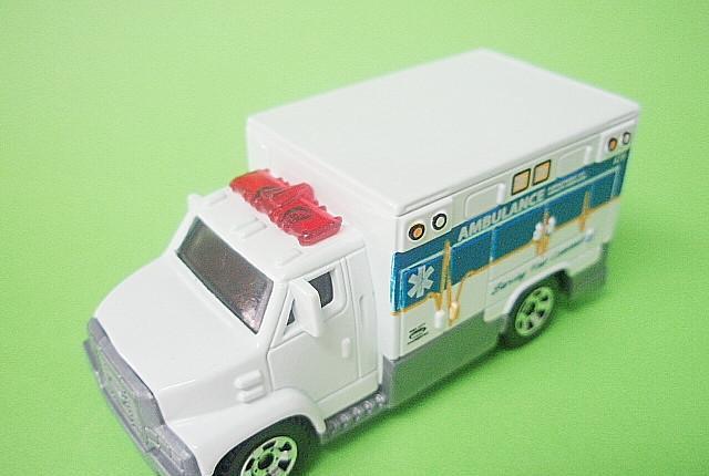 Matchbox mb679 66 ambulance