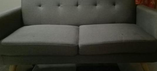 Sofá moderno dos plazas