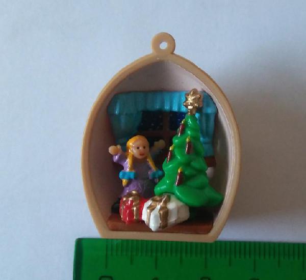 Kinder diorama niña cascara nuez navidad colgante christmas