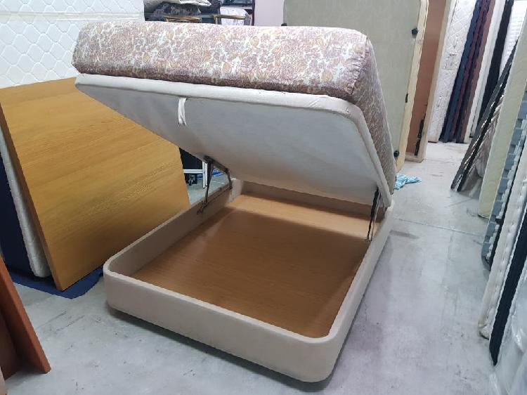 Canapé y colchón 1.35 x 1.80