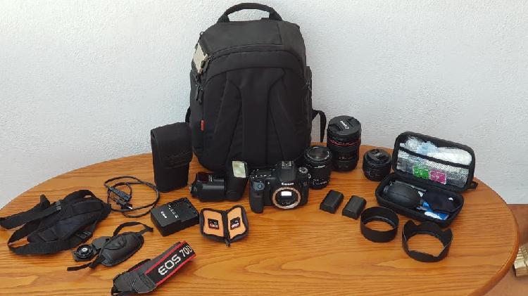 Canon eos 70d + 3 objetivos + flash + accesorios