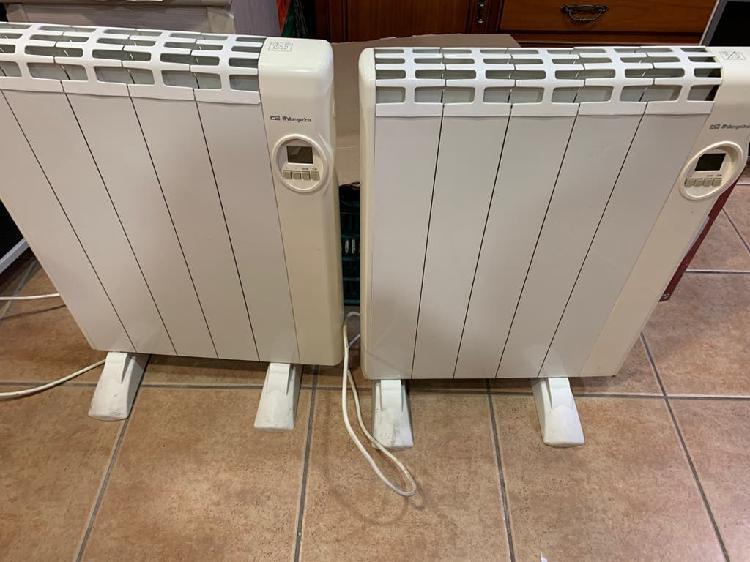 Dos radiadores calor azul