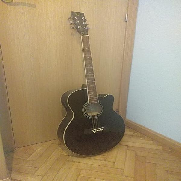 Guitarra acústica daytona con funda