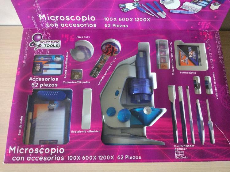 Juego de ciencia. microscopio y accesorios