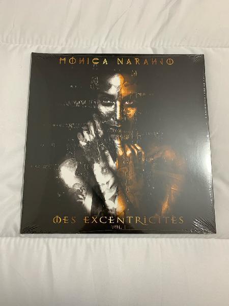 Monica naranjo mes excentricites (gold)