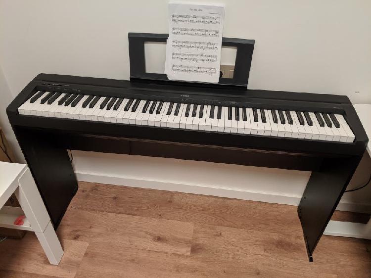 Mueble para piano digital yamaha