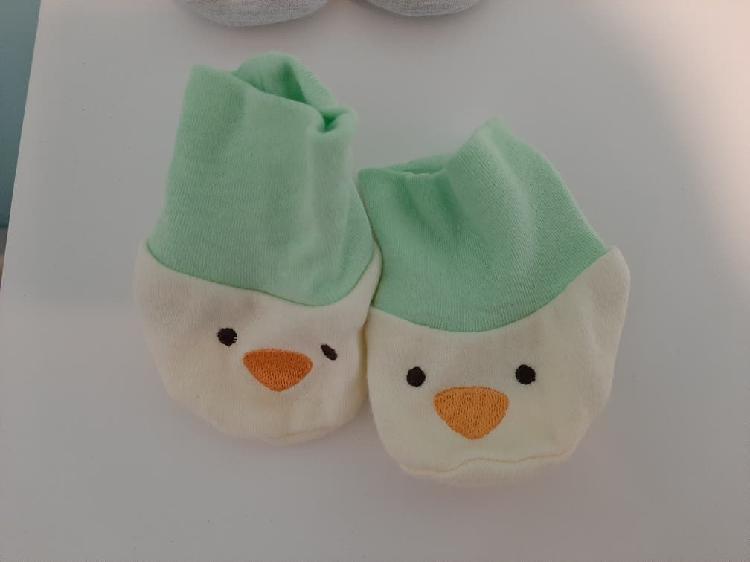 Patucos/ calcetines recién nacido