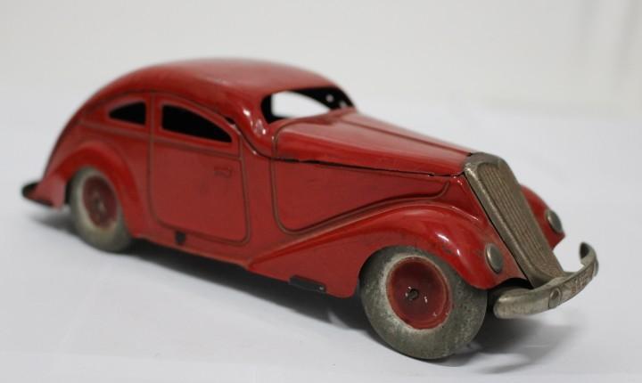 Raro auto sedan de años 40. jyesa. no rico, no paya, no