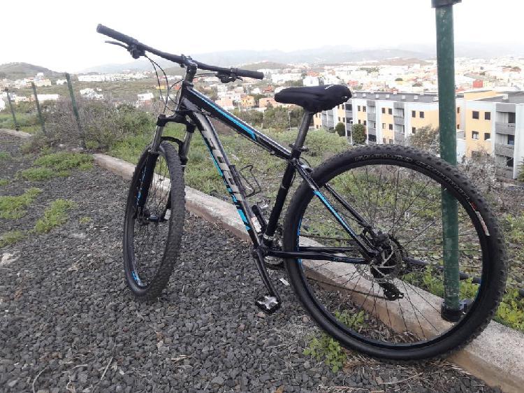 Vendo bici fuji 29 seminueva precio algo negociabl