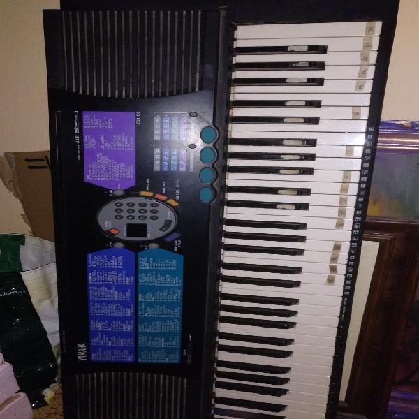 Piano yamaha psr185