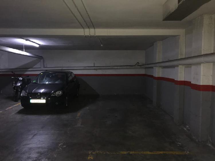 Alquiler plaza de parking para coche grande y moto