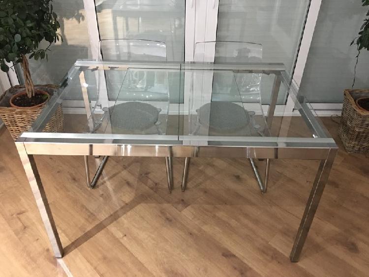 Conjunto mesa y 4 sillas