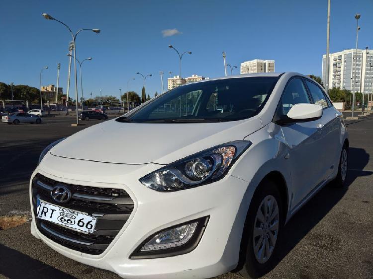 Hyundai i30 tecno skay 2016 garantia oficial